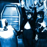 Cornered, the Doctor and Jamie attempt to defeat the robot with the Lynx Effect.